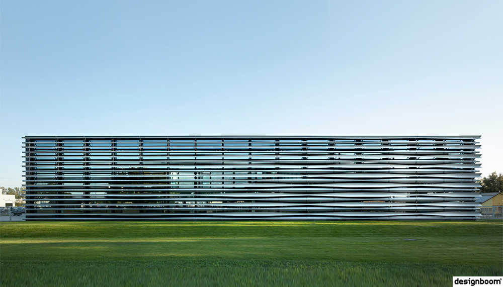 Barkow Leibinger's TRUMPF technology center in warsaw includes laser-cut steel fins